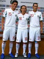 Hector Moreno y Andres Guardado