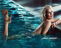 Eva Herzigova Se Desnuda Para Promocionar El Calzado De Brian Atwood