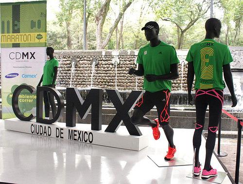 Playera Adidas Maratón de la Ciudad de México
