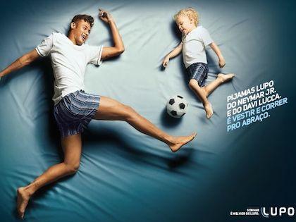 Neymar participa en nueva campaña publicitaria al lado de su hijo