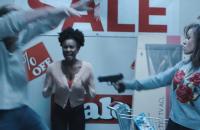 Con una parodia transforman el Black Friday en una auténtica película de terror