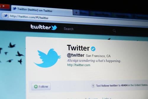 Twitter rompe barreras idiomáticas y lanza traductor