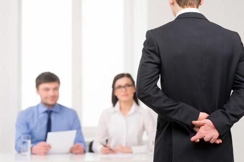 5 formas de detectar una mentira en el CV de cualquier aspirante