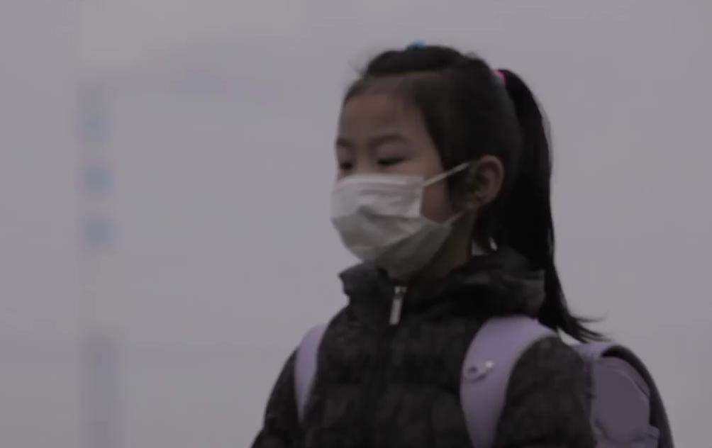 Volkswagen enseña a los estudiantes chinos como hacer su propio filtro purificador de aire