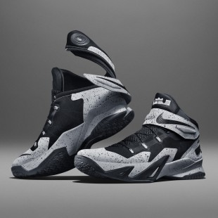 Su15_Nike_FlyEase_Blk_Pair_V1_square_1600