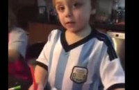 """Otro viral para la Copa: Niño argentino apoya a """"La Roja"""""""" de Chile"""