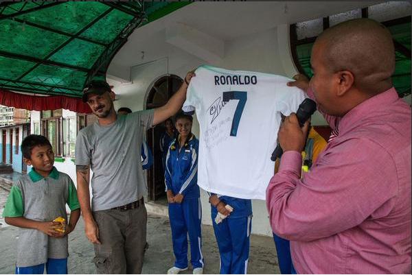 Cristiano Ronaldo Nepal Camiseta Niño