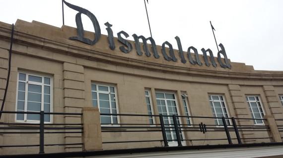 o-DISMALAND-570