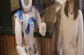 robot recepcionista hilton