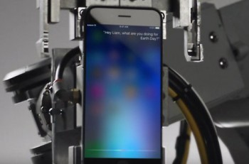 Apple desarmando a Siri. Imagen: Twitter.