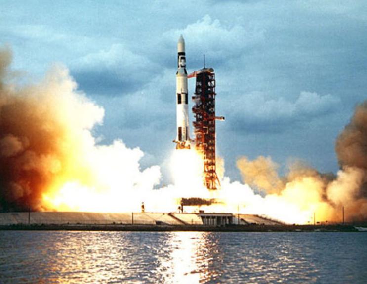 El cohete que debió estar en la imagen: el Saturn V. Foto: Nasa.