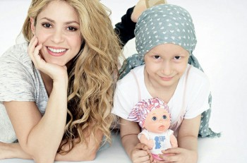 shakira muñeca cáncer 2