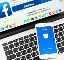 Facebook On Apple Iphone 6 Device Display