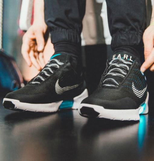 4f754a21f86 Dónde se compran y cuánto cuestan las Nike de Volver al Futuro