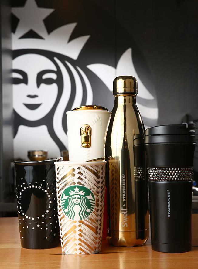 Cobranding Entre Starbucks Y Swarovski Para El Lanzamiento