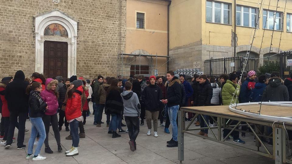 escuela-evacuada