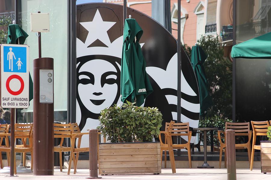 Falsa promoción de Starbucks para deportar a inmigrantes