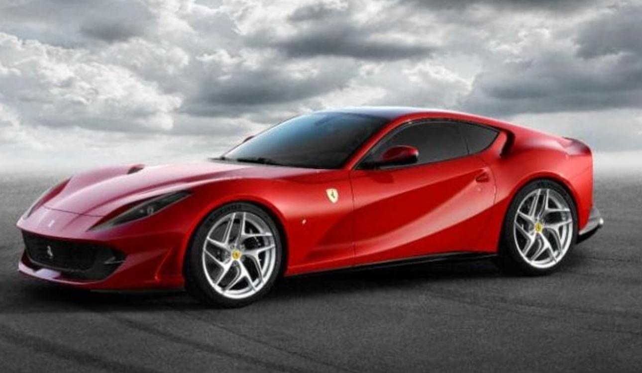 ¿Por qué todos hablan de Ferrari, tatuajes y calcomanías?