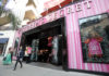 HOLLYWOOD-Shoppers-Victorias Secret