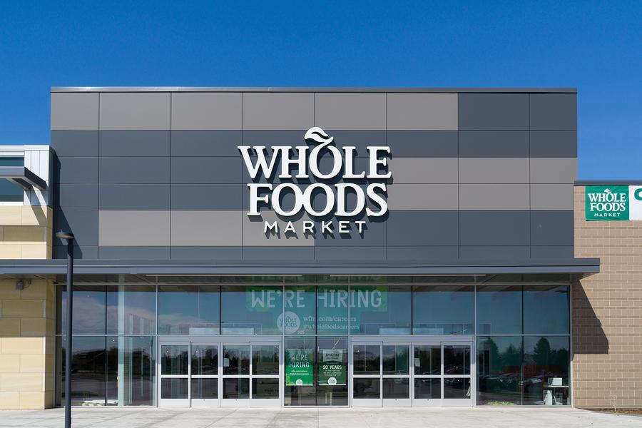 Amazon compra Whole Food Market y baja los precios un 43%