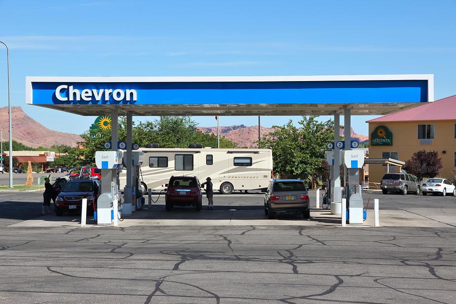 Abre Chevron primera estación de servicio en México