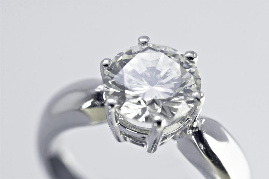 dbbf961da84f Si compraste un anillo de compromiso en Costco y te dijeron que era Tiffany