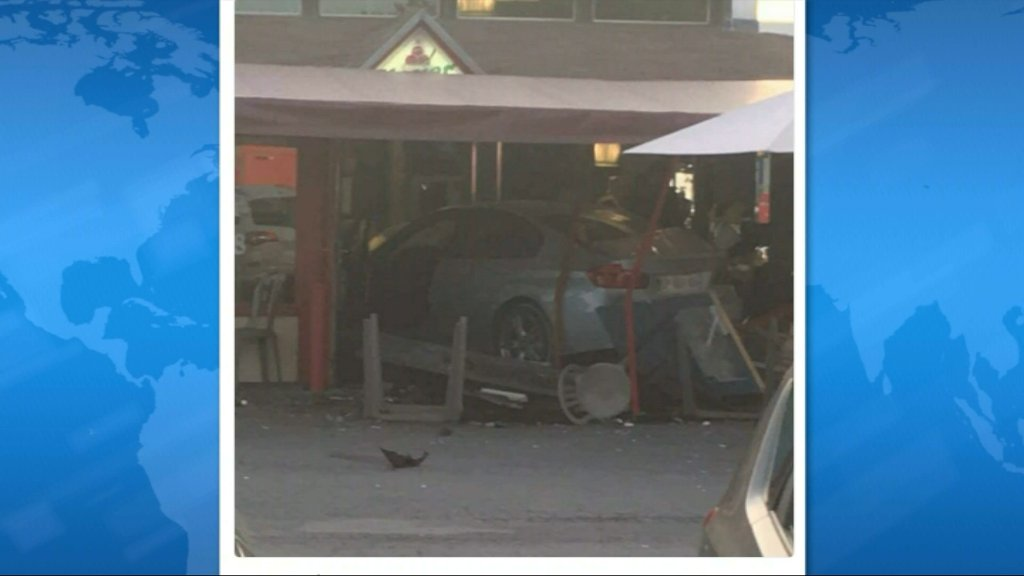 Auto embiste pizzería deja 1 niña muerta y cinco heridos — Francia