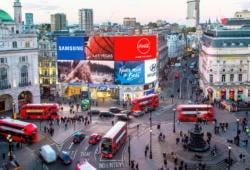 Piccadilly Circus-London-Bernardos