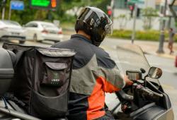 Las motos son de los vehículos preferidos por los mensajeros
