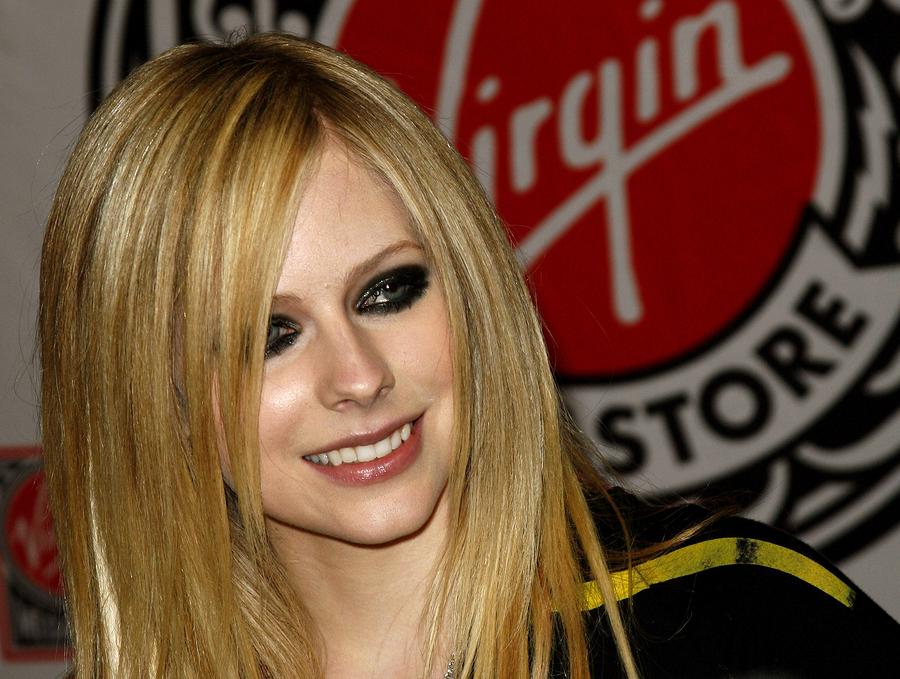 Avril Lavigne es la artista más peligrosa de Internet
