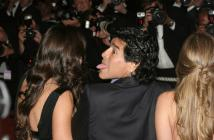 Maradona subirá fotos de su presente y, lo que muchos esperan, de su pasado. Aquí, en Cannes, en 2008.