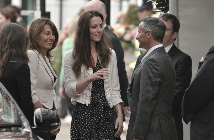 El príncipe William y la princesa Kate esperan su tercer hijo