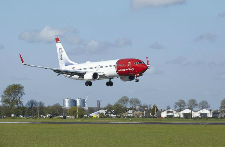 Iberia compra el 4,6% de Norwegian para negociar la adquisición total