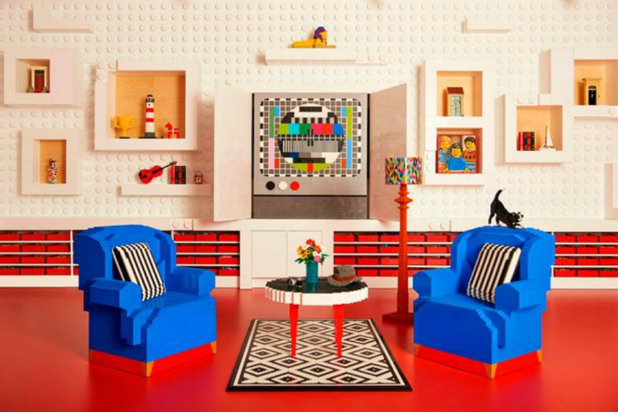 Esta casa está hecha con Legos y puedes pasar una noche ahí