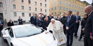 Lamborghini-Papa Francisco