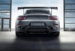 Porsche-911-GT2-RS