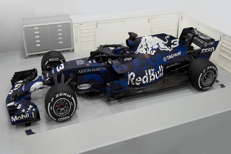 Escudería Red Bull presenta su nuevo RB14