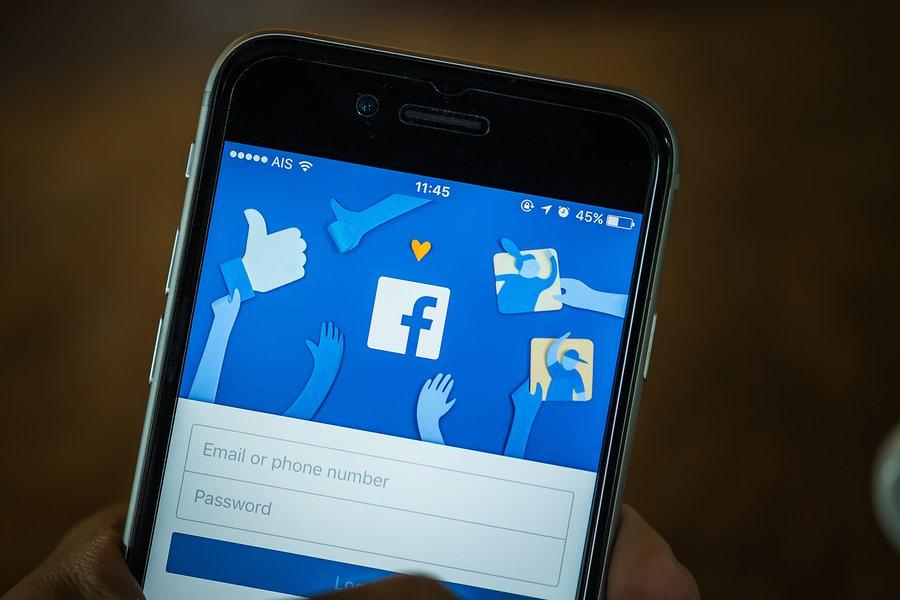 Resultado de imagen para Facebook añadiría una nueva forma de compartir estados: los Voice Clips