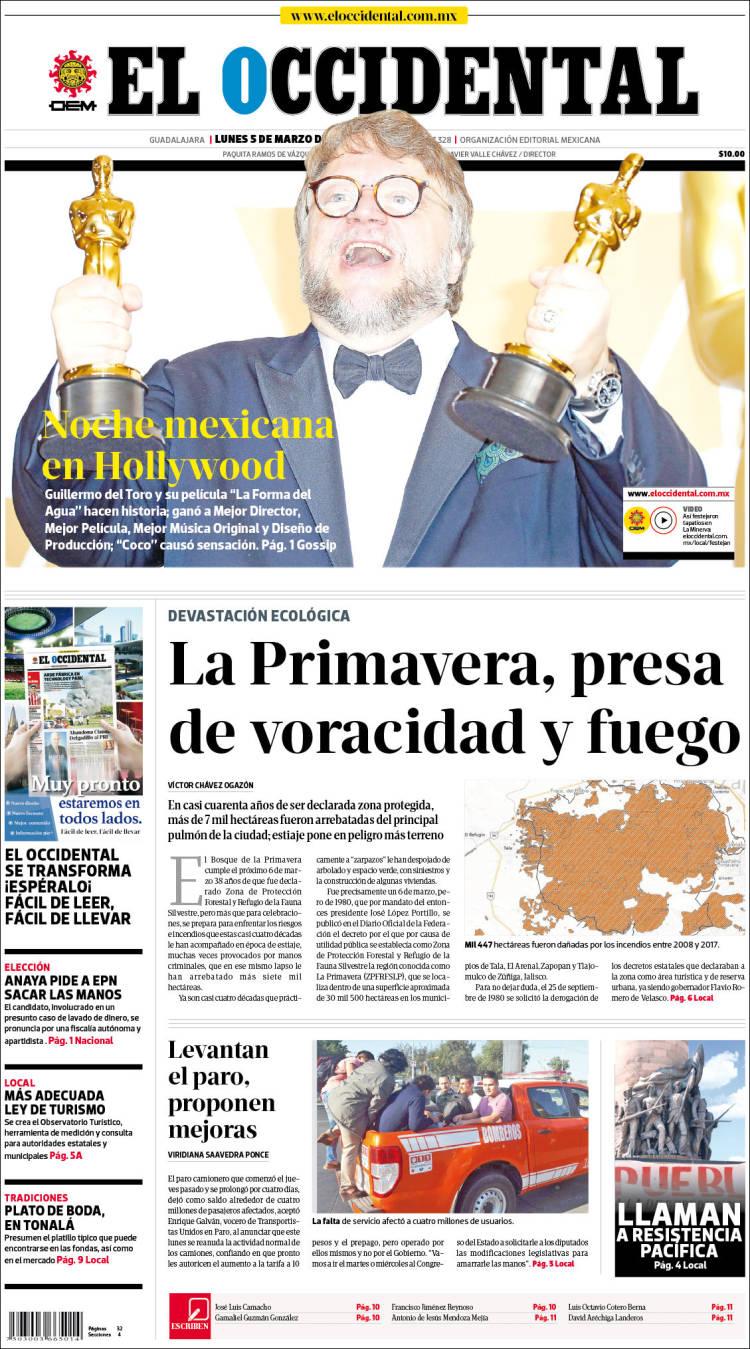 11 portadas de periódicos que muestran los Oscar de Guillermo del Toro