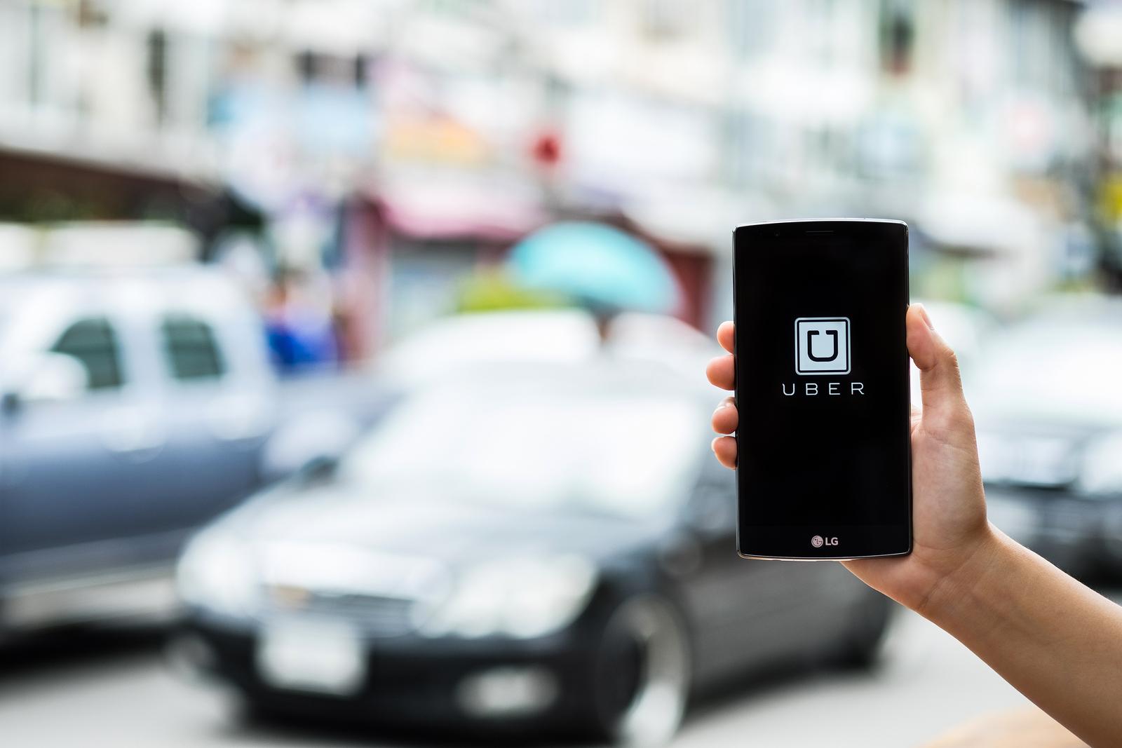 Uber cobraría menos a usuarios dispuestos a esperar