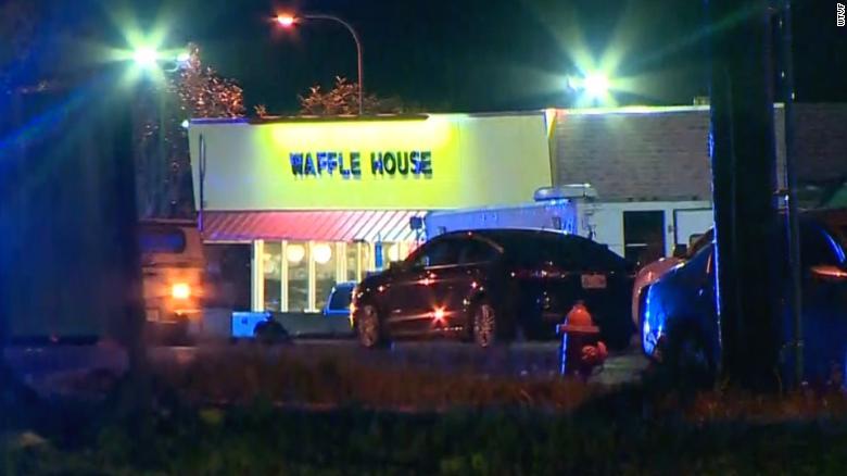 Al menos tres muertos en un tiroteo en un restaurante de Tennessee