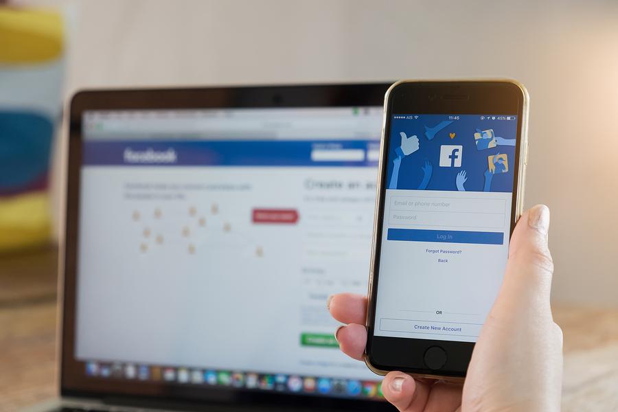smartphone-facebook