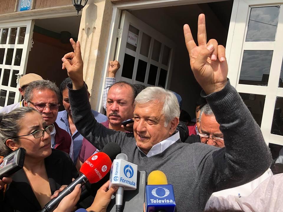 AMLO integrará comisión económica; busca resarcir perdidas por cancelar NAIM