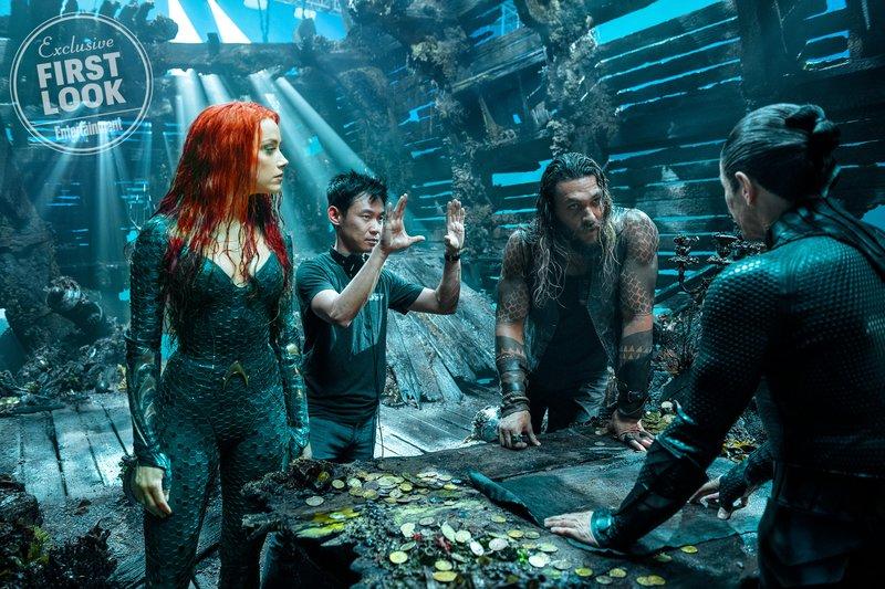 Aquaman-Poster-Shooting-EW