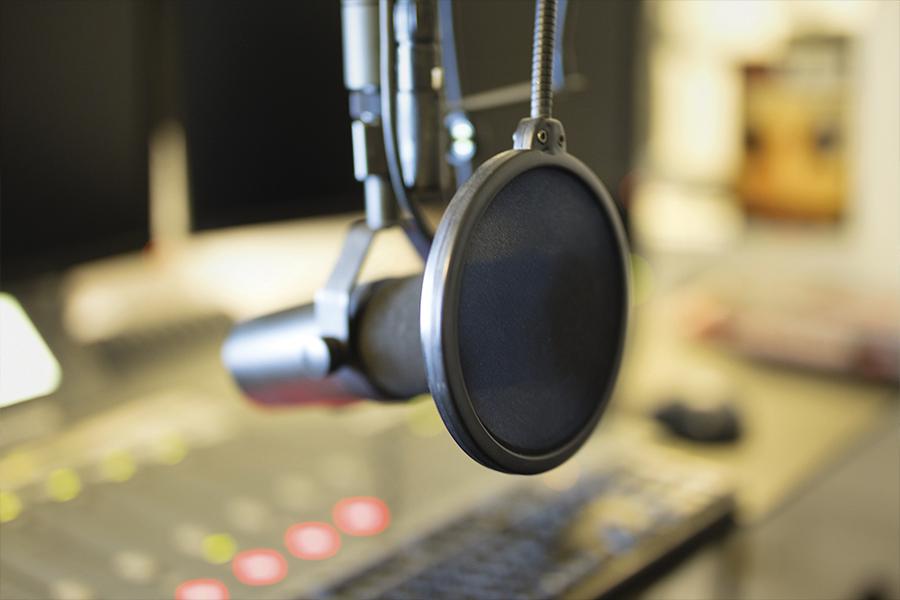 Se acaba programa de radio de Carlos Loret de Mola