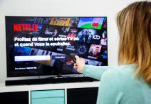 Netflix-Smart TV-Bigstock