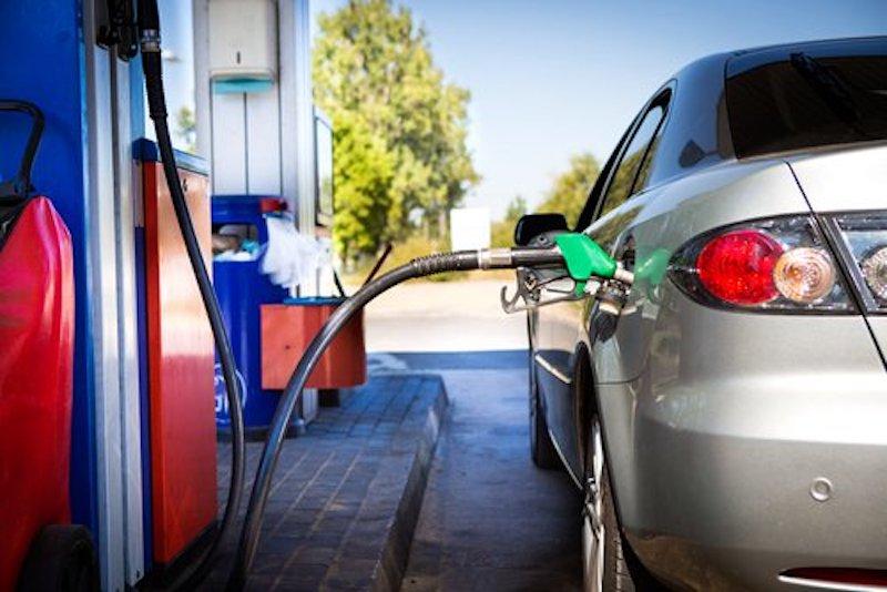 Gas-Gasolinera-Shutterstock