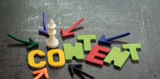 Invertir en Content Marketing Is King In Online Advertising And Communication Concept,