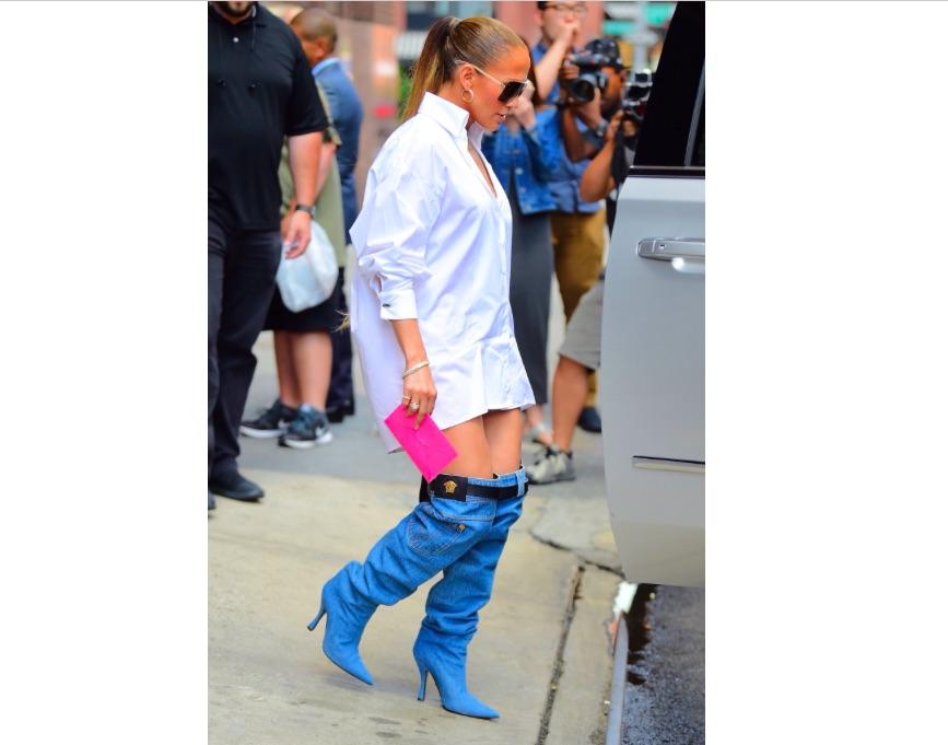 moda-jennifer-lopez-botas-versace