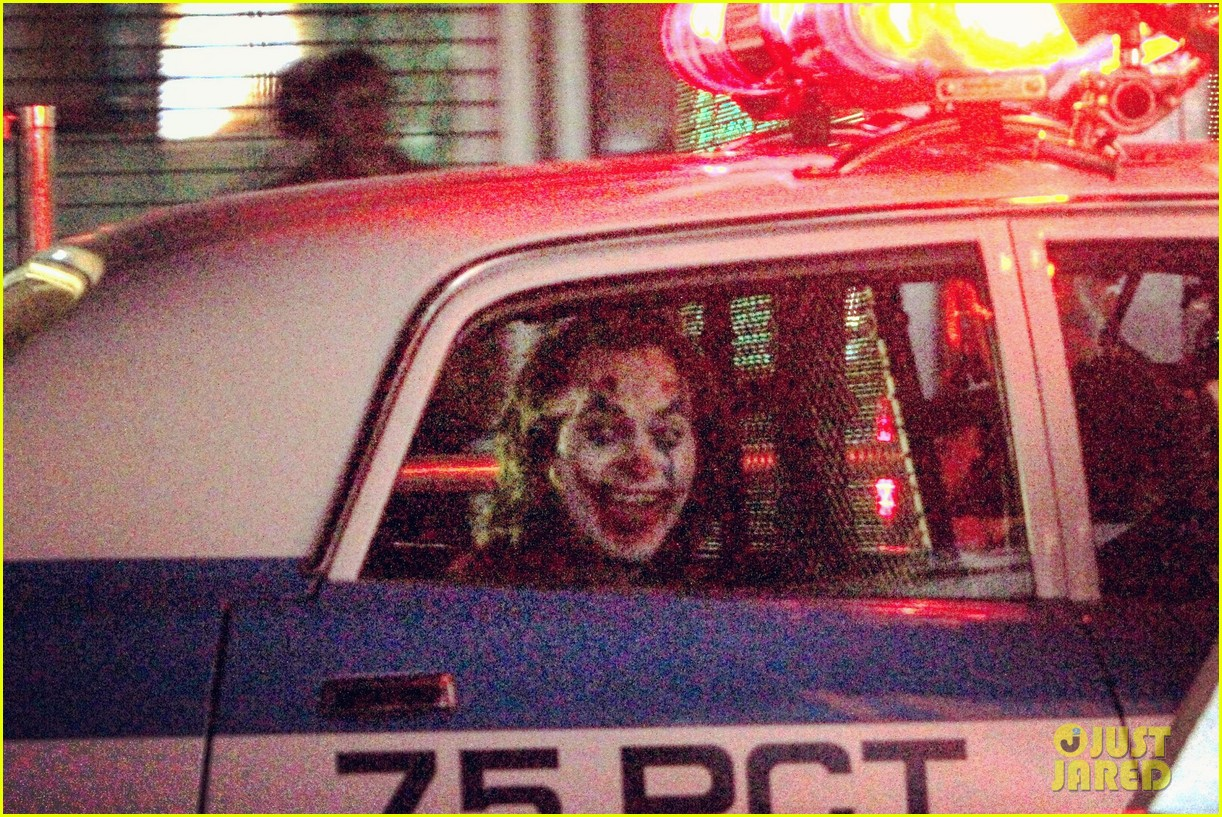 The Joker-Joaquin Phoenix-Police-01